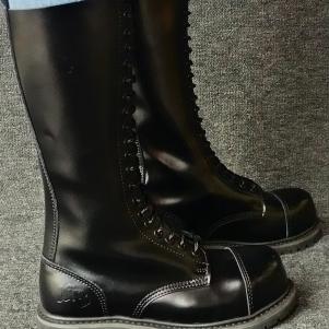 Knightbridge Boots '20-hole'