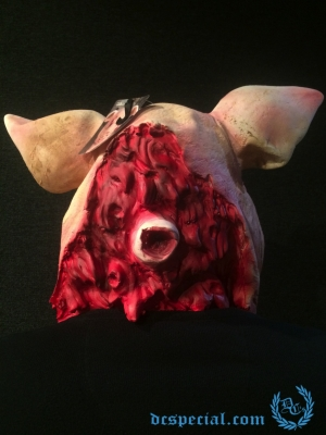 Masker Full Face 'Bleeding Pig'