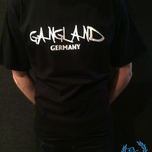 Gangland T-shirt 'Uzi Does It'