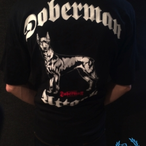 Doberman T-shirt 'Attack'